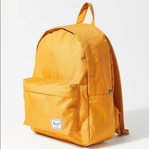🆕 Herschel UO exclusive bag